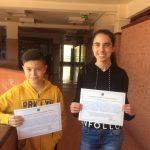 Estudiantes con los diplomas que recibieron de la AAVSO por haber descubierto una estrella variable. Crédito: IES El Calero.
